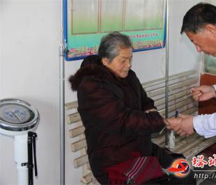 仁心仁术展大爱——记兵团第九师170团庙尔沟社区卫生员李琳
