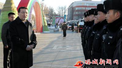尔肯江·吐拉洪慰问驻塔部队、武警官兵和公安民警