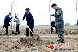 薛斌参加春季义务植树活动