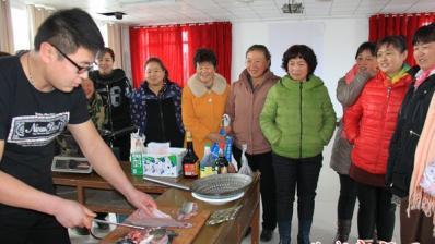 烹调培训 为妇女增新技能