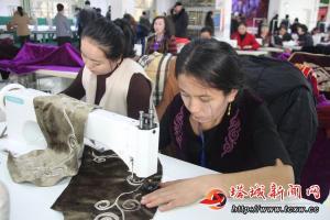 刺绣带动百姓就业