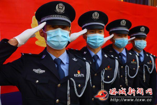 """节日快乐,人民警察!——地区各级公安机关庆祝第一个""""中国人民警察节""""掠影"""