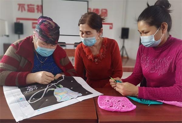 刺绣培训促就业